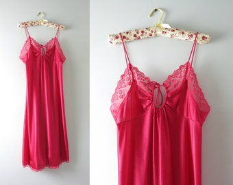Vintage Pink Nightie | 1970s Raspberry Pink Keyhole Nightie M