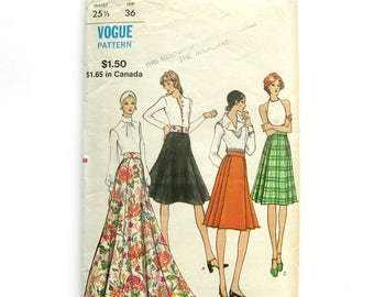 1960s Vintage VOGUE Sewing Pattern / Flared Skirt Pleated Skirt / Maxi Skirt / Vogue 8256 / Size 25.5 Waist / UNCUT FF