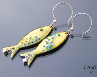 Boucles d'oreilles - les petites sardines - Poisson en cuivre émaillé - grande taille - jaune safran et bleu canard
