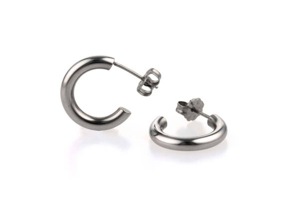 Small round hoop earrings, natural polished titanium 100% hypoallergenic for sensitive ear