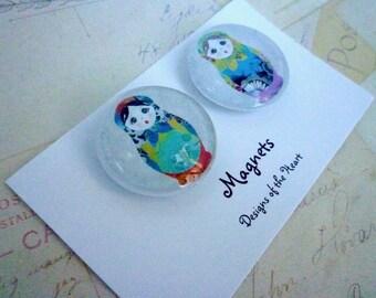 Russian Babushka Dolls. - Round Glass Magnet Set