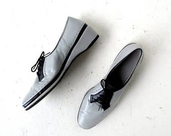 20% off sale Vintage 1940s Shoes | Gray and Black | Wedge Shoes | Size 11