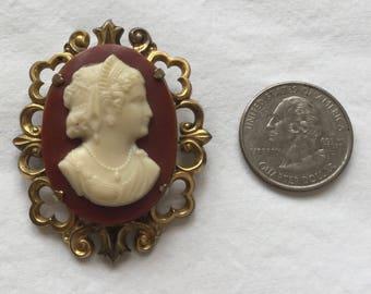 Vintage cameo brooch Etsy