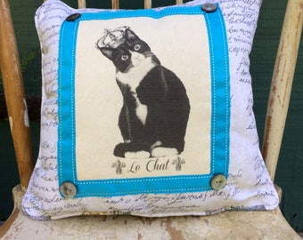 Black and white cat with Crown | French Country Decor | Farmhouse Decor | Waverly Linen Print | Handmade throw pillow | French Cat Crown