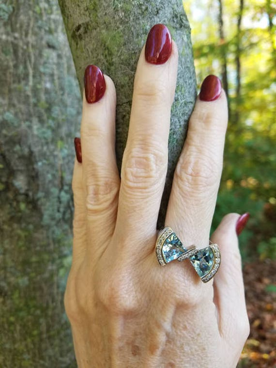 Signed Bellarri modern estate 18K white gold 6 carat fancy cut aquamarine and diamond statement bow designer ring, size 9.5