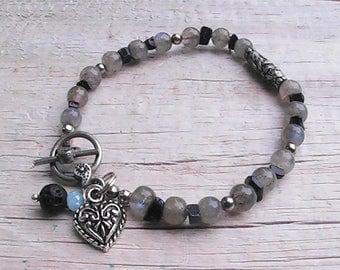 diffuser bracelet. diffuser lava rock beaded bracelet. gemstone bracelet.handcrafted jewelry.