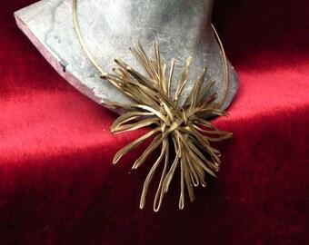 Star burst raw Piece necklace single strand of steel Sissi