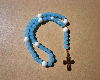 Lutheran Prayer Beads, Blue and White Faceted Glass Beads with Gold Tone Floral Cross, Protestant Prayer Beads, Prayer Focus Aid