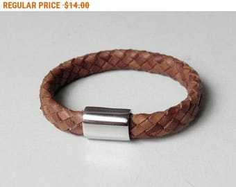 Unisex Leather Cuff Tan Braided Leather Bracelet with Stainless Magnetic Clasp