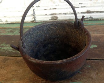 Vintage Cast Iron Lead Smelting Pot Cooking