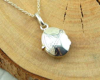 Silver Locket Necklace, Sterling Silver Oval Locket, oval layering locket necklace, silver locket layering necklace, dainty locket necklace