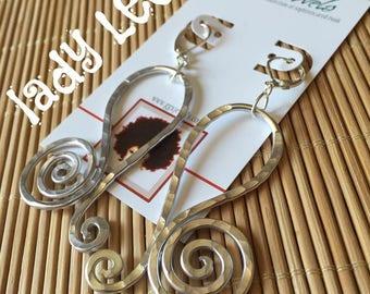 LEO ZODIAC BIRTHSIGN: inspired Bangin Beauties hammered aluminum wire earrings