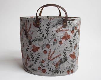Hummingbirds Medium Basket. Bucket Bag. Storage Bag. Project Bag. Tote. Yarn Basket. Knitting Bag. Fabric Bucket.