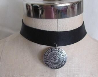 Beautiful Black Leather Metal Necklace Choker