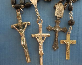 4 Vintage rosaries Religious necklaces Catholic rosaries Rosary collection Short rosaries Rosaries with black beads Italian rosary Simple #1