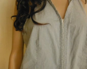 Nice Womens Blue Pinstripe top sz Med-Lg  -- 20-70% off Clothing SALE