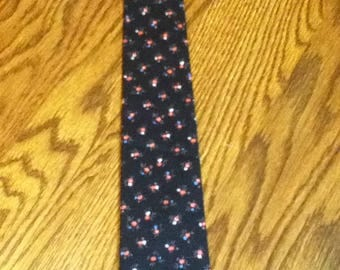 Men's Skinny Tie Black with Tiny Pink Flower
