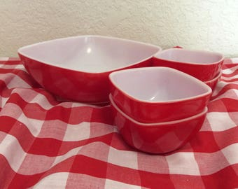 Pyrex Red Hostess Set 1 Large and 4 Small Square Bowls