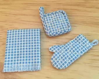 SALE Miniature Pot Holder Oven Mitt and Kitchen Towel Set, Blue and White, Dollhouse 1:12 Scale Miniature