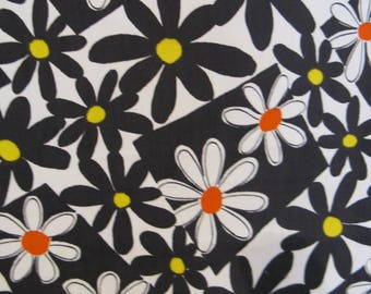 """Vintage 1960s Flower Power Op Art Cotton Fabric, Black and White Daisies with Orange and Yellow, 45"""" x 70"""" Almost 2 YDs"""