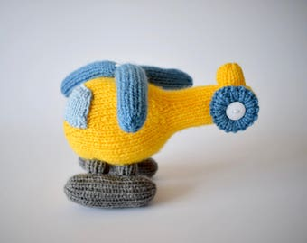 Helicopter toy knitting pattern