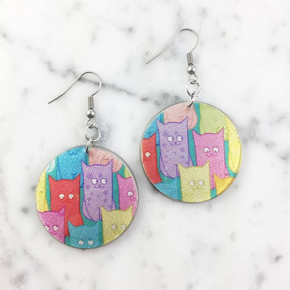 Resin earrings, cat, color, pink, yellow, blue, purple, face, unique, handmade, sold, earring, hypoallergenic hook
