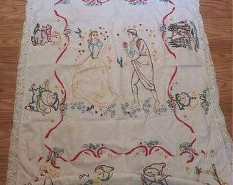 Snow White and the seven dwarfs hand embroidered table cloth and napkin set
