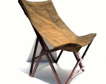 Vintage Folding Chair / WW II Military Collapsible Transportable Canvas Sling Chair / Camp Chair / Distressed Chair / Unique Chair / Prop