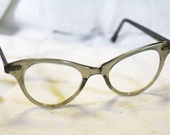 Vintage Grey Frame Cat Eye Glasses, Vintage Eyewear, Cat Eye with Floral Case,   - R