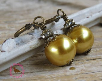 Antiqued Gold Pearl Leverback Earrings, Gold Pearl Earrings, Dangle, Vintage Style Rhinestone Gold Pearl Earrings by MagpieMadness for Etsy