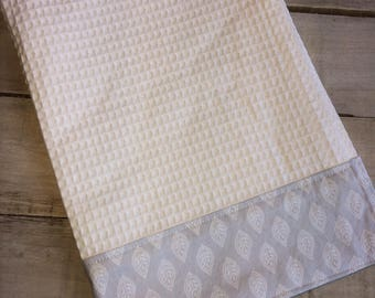 Kitchen Towel, Hand Towel, Tea Towel, Waffle Weave Towel, Dish Towel, Kitchen Hand Towel-Gray Leaf