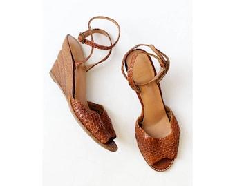 70s Sandals 7-7 1/2 • Leather Wedge Sandals • Vintage Sandals • Wedge Sandals • Peep Toe Sandals • Leather Wedges • 70s Heels | SH427