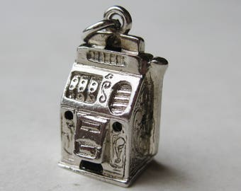 Vintage Charm Sterling Silver Viva Las Vegas Slot Machine One Armed Bandit Souvenir Bracelet Charm