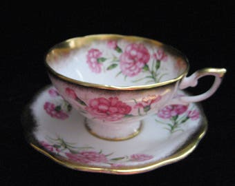 Royal Standard Fine Bone China tea cup Carnations pattern 2400