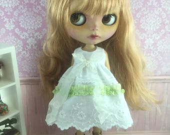 Blythe Ribbon Lace Dress - Lime