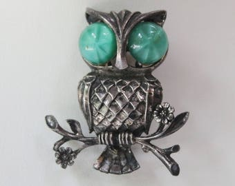 Vintage Silver Plated Owl Pin. C. 1950.