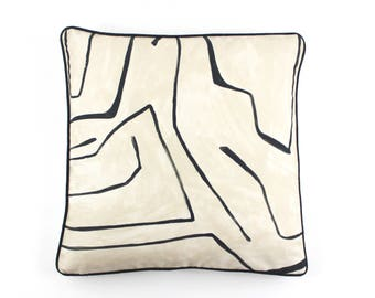 ON SALE Kelly Wearstler Graffito Pillows in Linen/Onyx with Black Welting (20 X 20-Front in Graffito with Natural Linen Back)