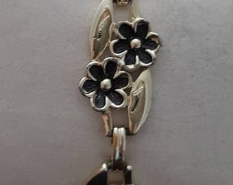 Vintage, 1970's Flowered bracelet stainless steel links,  fold over clasp FREE SHIP