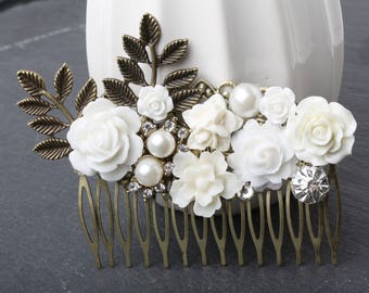 Bridal hair comb, White Flower comb, headpeice, flower hair comb, White hair comb, vintage style hair comb, rustic wedding hair accessories