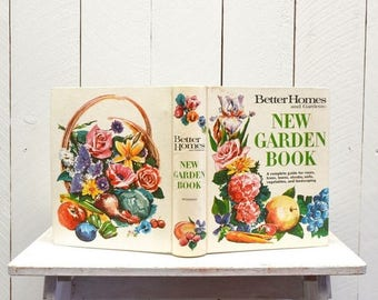 34% Off Sale - New Garden Book 1960s Better Homes and Gardens Vintage Hardcover Binder Reference Book