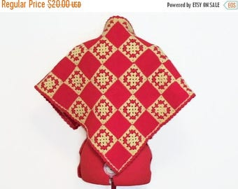 40% OFF NOW Vintage Red & Cream Crochet Shawl, Vintage Triangular Shawl, Red and Ivory Granny Square Shawl, Pieced Work Upcycled Shawl, Wint