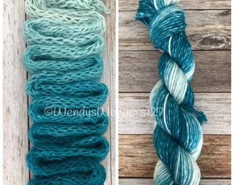 Bulky Yarn, Hand Dyed Yarn, Gradient Yarn, Merino Wool, 137 yards