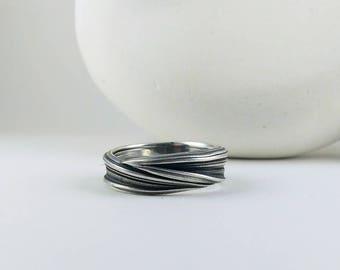 textured mitsuro silver band ring