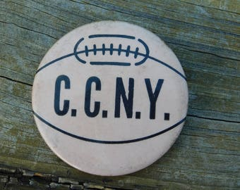 Rare C.C.N.Y. The City College of New York Athletics Beavers Basketball Pin Pinback Button dr48