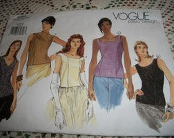 Misses' Sleeveless Top Pattern Vogue Basic Design 2363