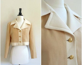 Summer Sale Vintage Carlson Originals tan and beige cropped jacket / 1960's fitted blazer with gold buttons