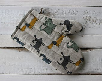 Kitchen gloves With Dog pattern, Linen Glove for him, Christmas gift for the cook, Year of the dog, Kitchen accessories for her