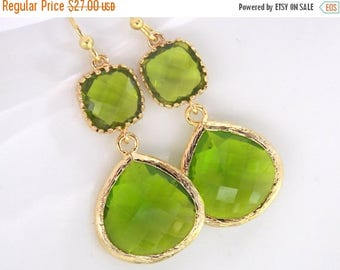 SALE Green Earrings, Peridot Earrings, Apple Green Earrings, Gold Green Apple, Wedding, Bridesmaid Earrings, Bridal Jewelry, Bridesmaid Gift