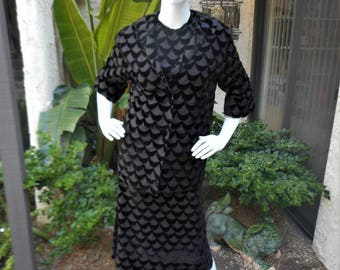 Vintage 1960's Black Scalloped Velvet 3-Piece Suit - Size 14