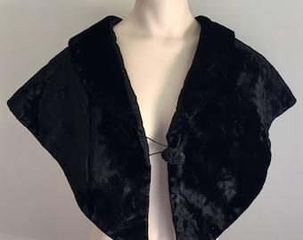 Antique Vintage Women's Victorian Black Velvet Capelet Cape Shawl